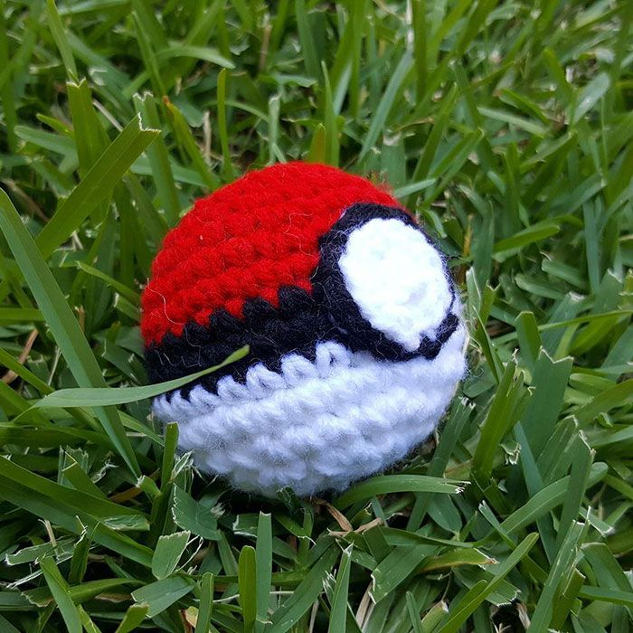 Crafty Pokemon Go Fan Leaves Crochet Pokémon Toys At PokeStops